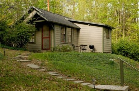 Rent This Adorable And Secluded Tiny House Just Outside