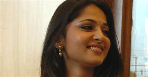Telugu Web World Actress Anushka In Beautiful Green Saree