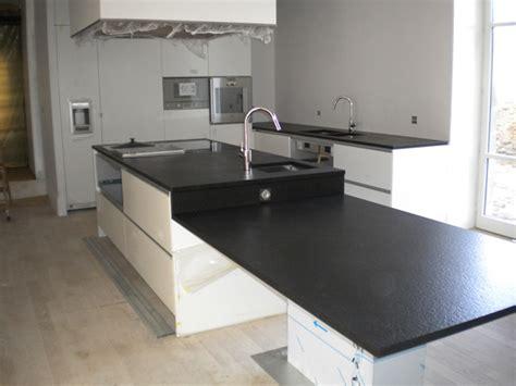 cuisine granit noir ilot central granit noir imahoe com