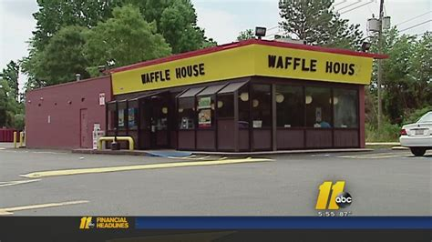 Chicago Waffle House by Waffle House Waitress Denied 1 000 Tip Customer Finds
