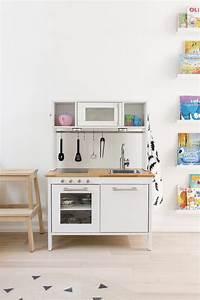 Ikea Duktig Rückwand : ikea hack a scandinavian inspired play kitchen happy grey lucky ~ Frokenaadalensverden.com Haus und Dekorationen