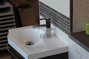 Selbstklebende Bordüre Fürs Bad : bad mit horizontaler bord re ~ Watch28wear.com Haus und Dekorationen
