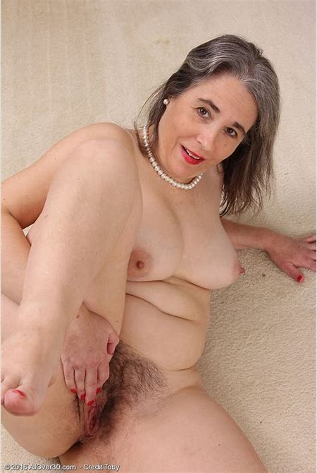 Older Babe Cougar Olivia Olay Will Take off Her Dress Bra and Lingerie to Have Comfortable ...