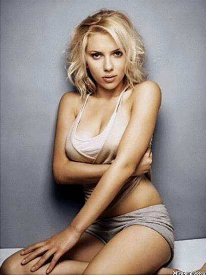 Scarlett Johansson Sexiest Cleavage Bikini Photoshoot Seducing