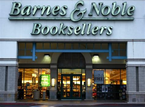 barns and nobles borders closing five things barnes and noble can do to