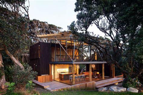 maison en bois dans les arbres une maison dans les arbres frenchy fancy