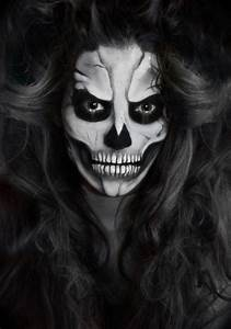 Halloween Schmink Bilder : die besten 25 halloween skelett schminken ideen auf pinterest halloween skelett make up ~ Frokenaadalensverden.com Haus und Dekorationen