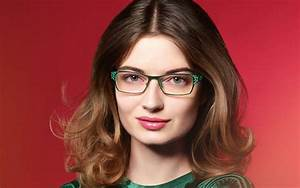 Kurzhaarfrisuren Für Rundes Gesicht : frisur zur brille einfache styling tipps ~ Frokenaadalensverden.com Haus und Dekorationen