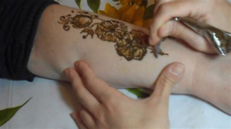 tatuaggi rami fiori ramo di fiori tatuaggio all henn 233 malak