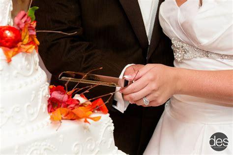 how to cut a wedding cake wedding cake etiquette wedding planning