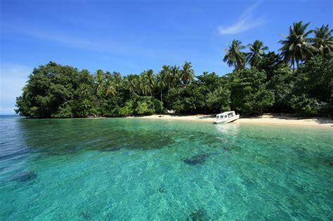 limakaki lima destinasi wisata alam  papua  raja