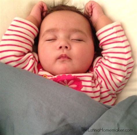 getting baby to sleep in crib 3 tips to get baby to sleep in the crib