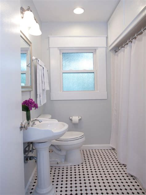 Makeovers For Small Bathrooms by 20 Small Bathroom Before And Afters Hgtv