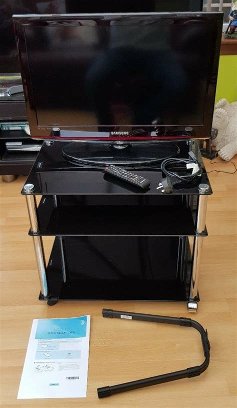 Samsung 26 Inch LCD TV + Wall Bracket and Glass TV Stand