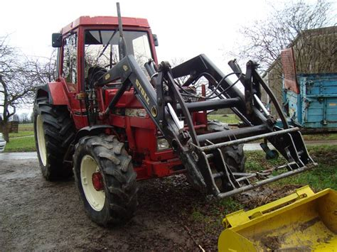 traktor mit frontlader und allrad ihc 844 traktor mit allrad und frontlader