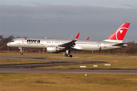 File:Northwest Airlines Boeing 757-251; N546US@DUS;13.01 ...