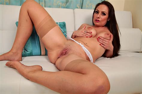 porn milf spreading legs in stockings