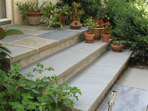porches and steps may cause separation anxiety european