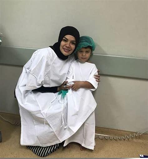 Sampai Dioperasi Rupanya Ini Penyakit Anak Nikita Mirzani