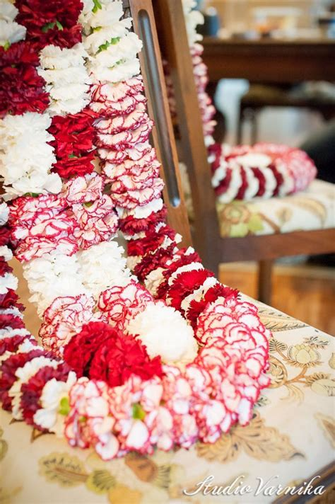 read  significant  types  wedding garlands