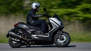 Maxi Scooter Occasion : yamaha x max 400 un maxi scooter made in france ~ Medecine-chirurgie-esthetiques.com Avis de Voitures