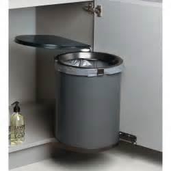 poubelle cuisine pivotante poubelle maxi 32 l quincaillerie richelieu