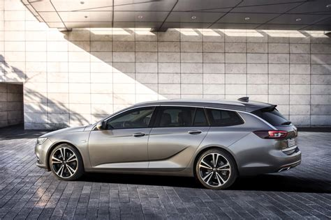 2017 Opel Insignia Sports Tourer Pictures