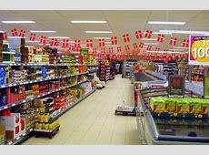 FileSupermarket z flagami ubtJPG Wikimedia Commons