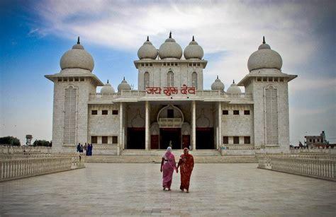 cosa vedere  mathura india citta sacra votata  krishna