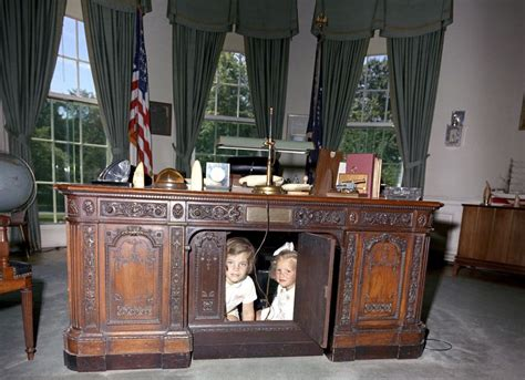 what desk is trump using which of these 6 oval office desks will donald trump pick