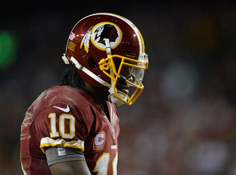 robert griffin iii defends playing hurt  redskins qbs