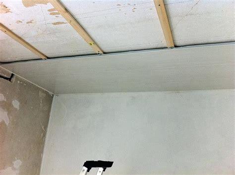 lambris de plafond awesome technique pour mat with cuisine with pose lambris plafond
