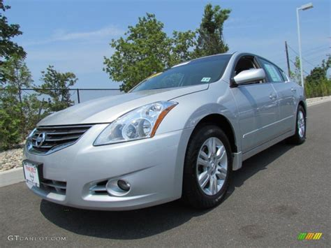 brilliant silver nissan altima    gtcarlotcom car color galleries