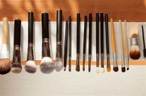 Accessoire de maquillage professionnel pinceaux et éponge visage . Jumia DZ