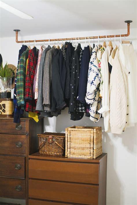 Kleiderstange Für Die Wand platz sparen kleiderstange f 252 r wand selber bauen diy