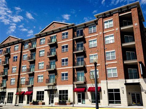 by northwest 3 bedrooms apartment 225 northwestern