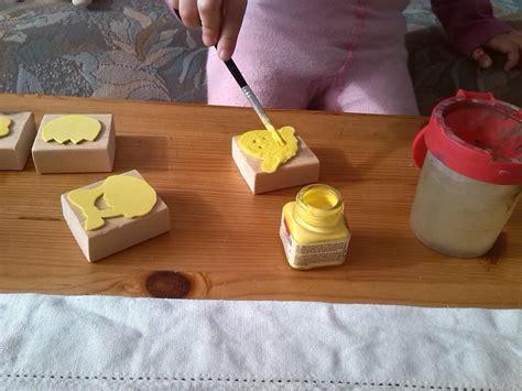 stempel sauber machen tischdecke f 252 r ostern selber machen der familienblog f 252 r kreative eltern