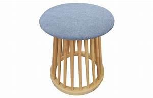 Petit Tabouret Bois : petit tabouret design style scandinave bois et tissu clair ~ Teatrodelosmanantiales.com Idées de Décoration