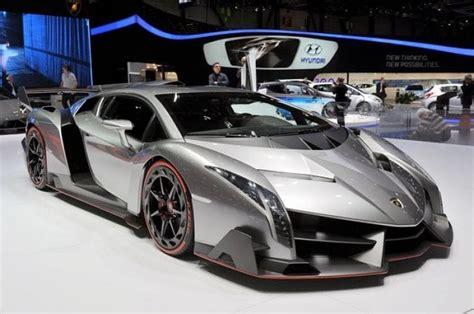 Lamborghini Veneno Vs. 280 Mph Bugatti Veyron