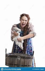 Lavaggio Della Mano In Vasca Di Legno Fotografia Stock