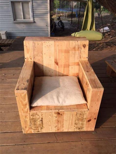 armchairs furniture  pallet chair  pinterest