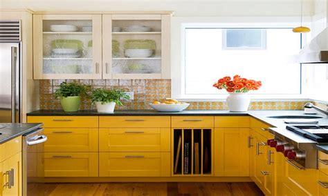 yellow kitchen backsplash ideas  joyful  light