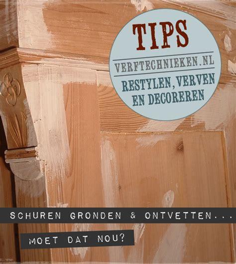 eiken meubels lak verwijderen schuren gronden en ontvetten is dat nou nodig