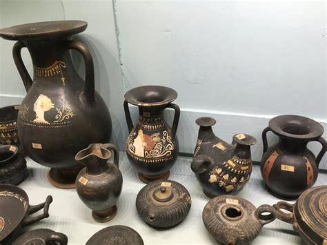 vasi neri vaso di talos foto di palazzo jatta ruvo di puglia
