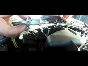Changer Ampoule 208 : peugeot 206 changer ampoule de phare avant youtube ~ Medecine-chirurgie-esthetiques.com Avis de Voitures