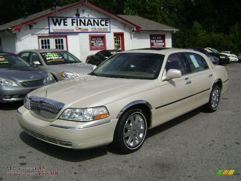 2003 Lincoln Town Car Cartier In Ivory Parchment Tri Coat