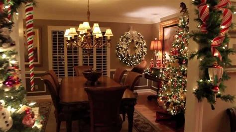 100 homes decorated for christmas on the inside inside