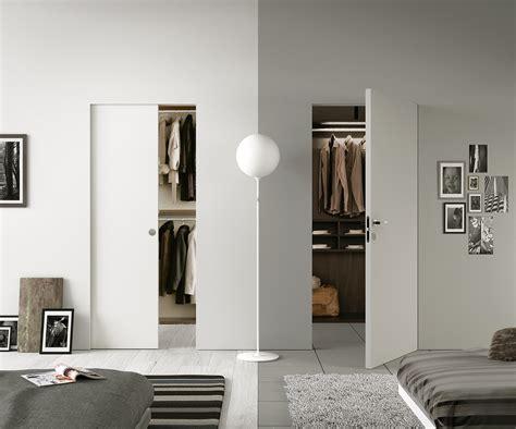 cabina armadio cartongesso sfruttare bene lo spazio con porte e contenitori a