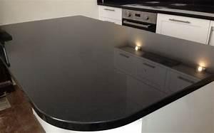 Schwarze Arbeitsplatte Küche : m glicherweise die ultimative gl nzende schwarze arbeitsplatte f r moderne zeitgen ssische k che ~ Sanjose-hotels-ca.com Haus und Dekorationen