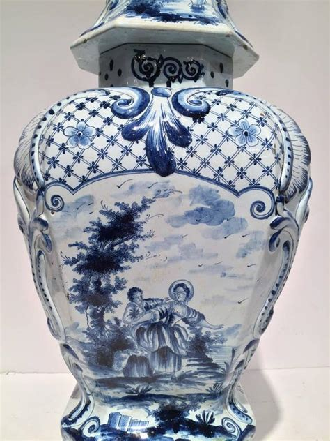 Large Vase With Lid by Large Vintage Blue And White Delft Vase With Lid At 1stdibs